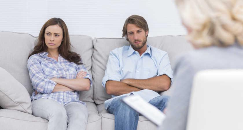 В каких случаях ребенок остается с отцом при разводе?