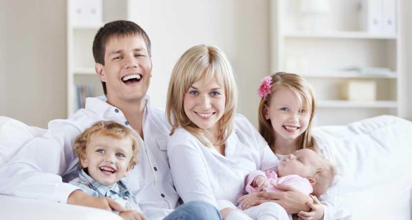 Сколько алиментов должен платить отец на 3 детей в России?