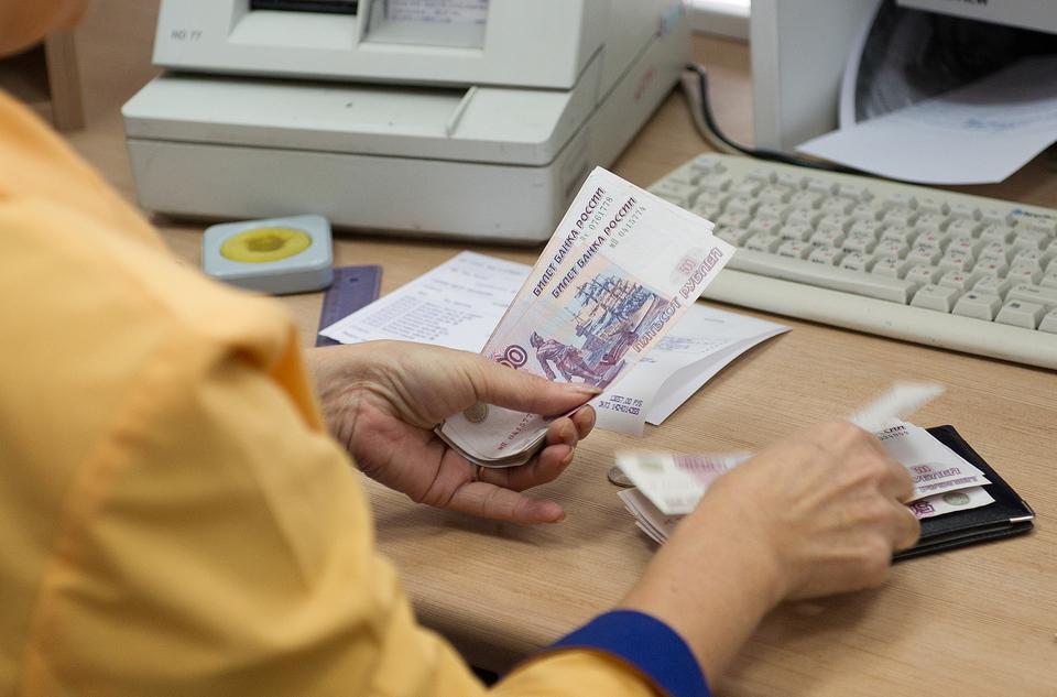 Нужно ли удерживать алименты с аванса по зарплате
